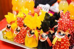 Chocolates decorados con Mickey Mouse.