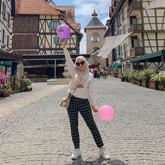 Casual Hijab Outfit, Ootd Hijab, Muslim Fashion, Teen Fashion, Fashion Outfits, Hijab Look, Hijab Trends, Hijab Fashion Inspiration, Photos