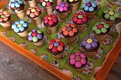 Kleine Kuchen im Waffelbecher 20