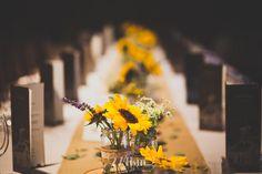 centros de mesa con girasoles decoración boda274km, barcelona, hospitalet, gala martinez, sergio murria, fotografia, photography, boda, wedding, photographers, deco,