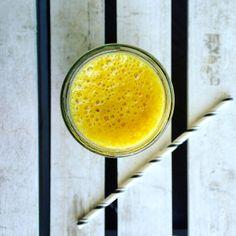 SMOOTHIE DETOX AU CURCUMA & ABRICOTS   vertcouleurpersil.com Latte, Biologique, Moment, Hui, Food, Parsley, Kitchens, Fresh, Drinks