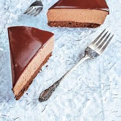 Gâteau mousse au chocolat Dessert Mousse, House Cake, Chocolate Mousse Cake, Food Test, Frozen Desserts, Cake Recipes, Sweets, Snacks, Baking
