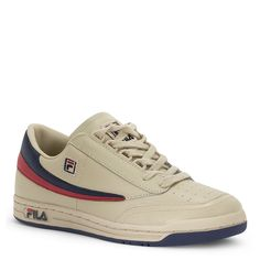 Serious style defines the classic Fila sneaker, whether you're playing sports or just playing.