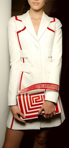 Versace white coat with red trim details Gianni Versace, Donatella Versace, Versace Coat, Versace Versace, High Fashion, Womens Fashion, Fashion Trends, Fashion Beauty, Versace Fashion