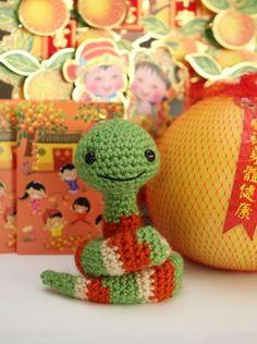 free crochet pattern of snake. very cute!