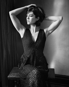 [Scott Pilgrim vs The World] Mary Elizabeth Winstead – Fleek Lilly Mary Elizabeth Winstead, Scott Pilgrim, Beautiful Female Celebrities, Beautiful Actresses, Poses, Beautiful Brown Eyes, Sexy Women, Black And White Photography, Interview