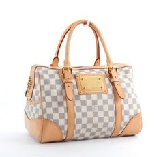 Ok maaaaybe this should be my next Louis! Mk Handbags, Louis Vuitton Handbags, Purses And Handbags, Louis Vuitton Damier, Fab Bag, Best Purses, Louis Vuitton Speedy 30, Coach Purses, My Bags