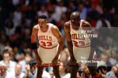 Fotografia de notícias : Michael Jordan and Scottie Pippen of the Chicago...