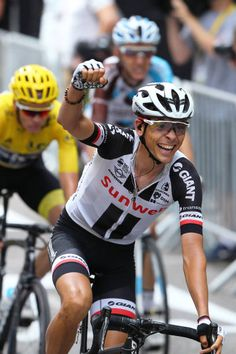 104th Tour de France 2017 / Stage 9  Arrival / Warren BARGUIL Celebration / Christopher FROOME Yellow Leader Jersey / Nantua Chambery / TDF/