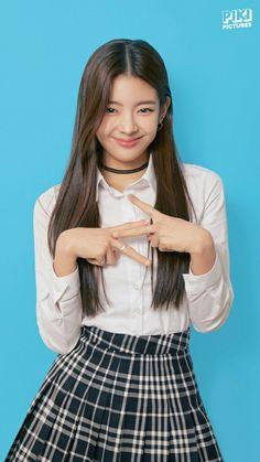 Kpop Girl Groups, Korean Girl Groups, Kpop Girls, K Pop, School Uniform, New Girl, South Korean Girls, Skater Skirt, Girl Outfits