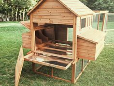 An interior view of the Ranch chicken coop, showing nesting areas, mess pans, an. - DIY Chicken Coop Tips - Chicken Recipes Inside Chicken Coop, Small Chicken Coops, Easy Chicken Coop, Portable Chicken Coop, Chicken Cages, Chicken Coup, Backyard Chicken Coops, Chicken Coop Plans, Building A Chicken Coop