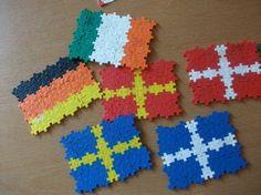 Flotte flag lavet af Plus-Plus brikker. Billedet har vi lånt fra: http://www.ystad.se/ystadweb.nsf/alldocuments/2E267D5EBD5027EEC1257A5300282D07!opendocument&designname=print Du kan købe #plusplus brikker på Nikostine.dk