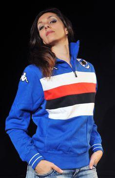 She wears Felpa Eroi Blucerchiati. You can find it on www.sampdoriapoint.com.