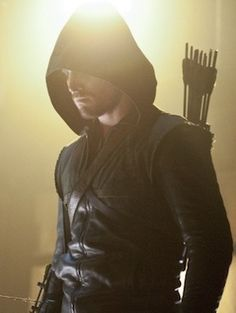 Arrow's Stephen Amell on the 'most nefarious' Malcolm Merlyn, meeting the real Deathstroke