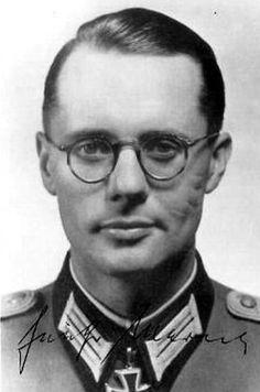 ✠ Günther Marreck (July 22nd, 1914 - December 23rd, 2002) RK 15.04.1944 Hauptmann d.R. Führer II./Gren.Rgt 422 126. Infanterie – Division
