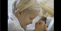 Teach my children to pray by themselves and want to learn the gospel. Teaching children how to build their relationship with God at an early age. Tips for praying with kids Baby Kind, Baby Love, Kind Photo, Jolie Photo, Raising Kids, My Children, Precious Children, Future Children, Beautiful Children