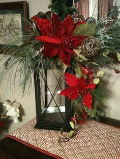 Stunning Rustic Christmas Lantern Centerpieces Ideas - Barhloew news Christmas Planters, Christmas Arrangements, Christmas Centerpieces, Outdoor Christmas, Xmas Decorations, Lantern Centerpieces, Centerpiece Ideas, Lanterns Decor, Christmas Lanterns Diy