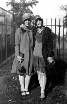 Flapper girls from the 20's