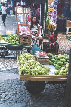 Fruit vendors in Ilhéus, Brazil | heneedsfood.com