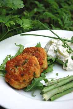 Food So Good Mall: Zesty Crab & Shrimp Cakes with Roasted Red Pepper Sauce