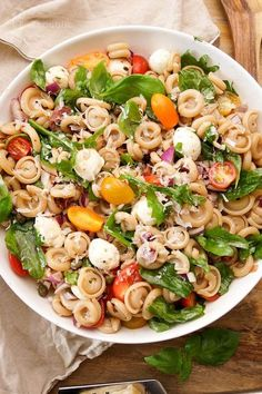 Recipe for easy summer pasta salad with heirloom cherry tomatoes, arugula, basil . - Recipe for easy summer pasta salad with heirloom cherry tomatoes, arugula, basil … – # Check mo - Summer Pasta Recipes, Summer Pasta Salad, Pasta Salad Recipes, Summer Salads, Recipe Pasta, Summer Food, Dried Tomatoes, Cherry Tomatoes, Prosciutto
