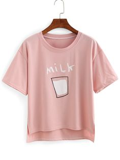 To find out about the Drop Shoulder Milk Print High-Low T-shirt at SHEIN, part of our latest T-Shirts ready to shop online today! T Shirt And Shorts, Red Shirt, Mode Kawaii, High Low Shirt, Cartoon T Shirts, Printed Tees, Cute Shirts, Pink Shirts, Look Cool