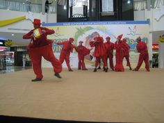 Funny Clowns show at Dubai Outlet Mall