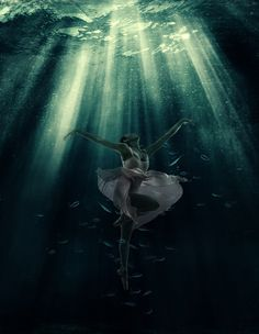 Ballet in the deep sea Photo-manipulation   #deepsea #raysunderwater #underwater #fantasy #retro #dramatic #dreamy #photoshop #adobe #ps_summertime
