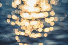 Vintage Water bokeh background - Lights on sea background. Bokeh Photography, Abstract Photography, Photo Bokeh, Flower Iphone Wallpaper, Ap Studio Art, Bokeh Background, Light Painting, Color Of Life, Acrylic Art