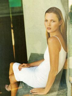Kate Moss cool  sexy in white