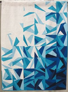 Icy Waters by Amy Garro. Indianapolis, Indiana. Quilted by Angela Walters.