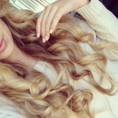I love these soft, gorgeous curls. I envy anyone who can make their hair do that.