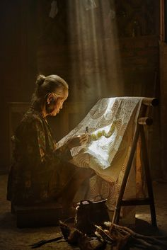 Batik- The Best Photos of Women Village Photography, Photography Women, Batik Art, Old Faces, Javanese, Trend Fashion, Face Photo, Photo Competition, Female Photographers