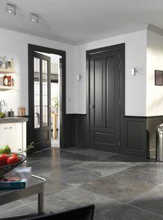 interior through and butt walls Dark Doors, Grey Doors, Windows And Doors, Black Trim Interior, Interior Door Trim, Dark Trim, White Trim, Painting Trim, Dark Interiors