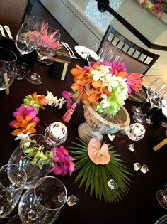 Summer Wedding, Hawaii, Tropical, Table Decorations, Home Decor, Decoration Home, Room Decor, Hawaiian Islands, Home Interior Design