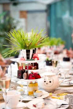 Mad Hater's London High Tea