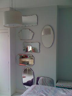 Just three vintage mirrors on the bedroom wall would be perfect Vintage Room, Bedroom Vintage, Vintage Walls, Mirror Mosaic, Mirror Mirror, Wall Of Mirrors, Discount Bedroom Furniture, Art Deco Mirror, Vintage Mirrors