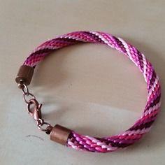 Bracelet kumihimo de 17,5 cm en soie à broder