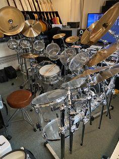 Ludwig Drums, Pearl Drums, Drum Room, Drums Beats, Kiss Band, Drum Kits, Music Stuff, Music Is Life, Drummers