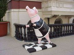 """Squeaky Clean"" in Cincinnati's Big Pig Gig, 2000 - photo from spacetoday"