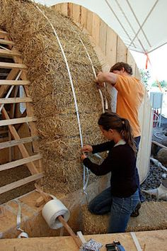 Straw Bale Dome: 3rd day