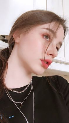 I'm so gay for her 😥 Beautiful Girl Makeup, Cute Beauty, Beautiful Girl Image, Cute Young Girl, Cute Girl Pic, Cute Girls, Girl Pictures, Girl Photos, Bebe Love