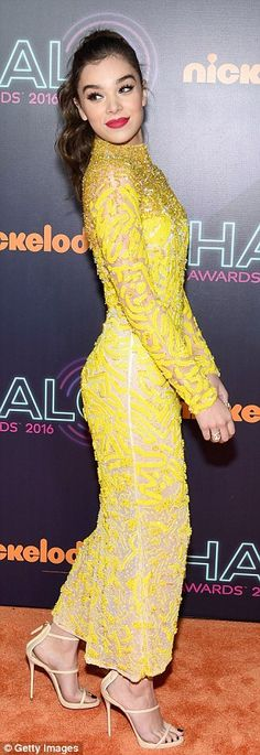 Hailee Steinfeld stuns in yellow sheer dress as she leads stars at Nickelodeon Halo Awards Hailee Steinfeld, Beautiful Celebrities, Beautiful Actresses, Phresh Out The Runway, Expensive Clothes, Modern Outfits, Sheer Dress, Yellow Dress, Fashion Beauty