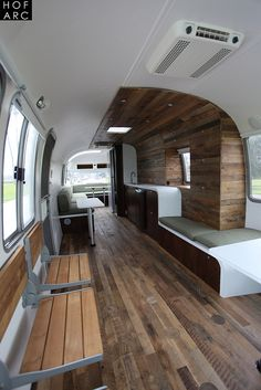 "Excellent photo set of 1985 Airstream 345 Motorhome. (One of the ""real"" Airstream motorhomes, from when the bodies were made like Airstream trailers. Airstream Motorhome, Airstream Remodel, Airstream Interior, Airstream Renovation, Trailer Interior, Airstream Decor, Airstream Caravans, Airstream Living, Bus Camper"