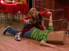Jennette McCurdy in iCarly (2007)
