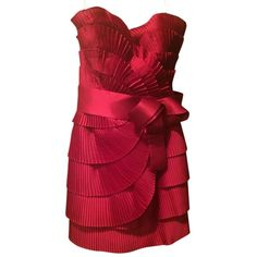 Pre-owned Marchesa Notte Red Pleated Satin Bow Detail Strapless Dress ($295) ❤ liked on Polyvore featuring dresses, red, red sash belt, red strapless cocktail dress, tiered dress, bow dress and red strapless dress