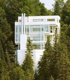 Richard Meier - Triangle Modernist Houses - America's Largest Archive of Residential Modernist Design. My most favorite modern house, Douglass House in Harbor Springs, MI. #CustomHomeBuildersHouston