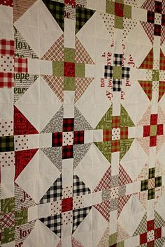 This particular hawaiian quilts is genuinely a striking design procedure. Patchwork Quilting, Scrappy Quilts, Mini Quilts, Gray Quilts, Bed Quilts, Scrappy Quilt Patterns, Patch Quilt, Quilt Blocks, Puzzle Quilt