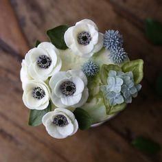 . #anemone & #hydrangea  Buttercream flowercake .. . #아네모네 와 #수국 . #플라워케이크 #플라워케익 #대구플라워케이크 #버터크림플라워케이크 #꽃 #꽃케이크 #꽃스타그램 #케이크 #메종올리비아 #베이킹 #베이킹그램 #flowercake #flower #buttercreamdecorating #buttercreamflowercake #buttercream #buttercreamcake #koreaflower #koreanflowercake #koreabuttercreamflower #koreabuttercreamcake #koreaflowercake #bakingram #cake #maisonolivia