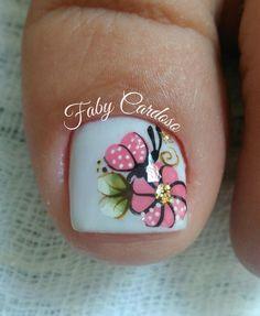 Unhas decoradas para formatura – MUITAS fotos para você se inspirar! Pedicure Nail Art, Toe Nail Art, Nail Manicure, Pretty Toe Nails, Pretty Toes, Fun Nails, Toe Polish, Magic Nails, Nails 2018